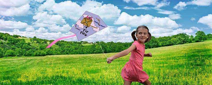 annabelle with kite2